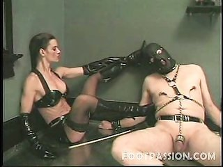 Найти эротические фотографии хозяйка ираб на тему доменирование фото 577-925