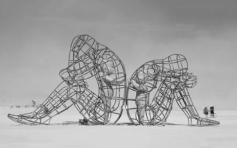 Как выжить на фестивале Burning Man и построить коммунизм в пустыне