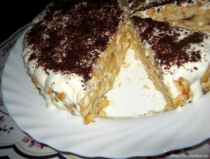 Торт со сметаной печеньем и бананами без выпечки