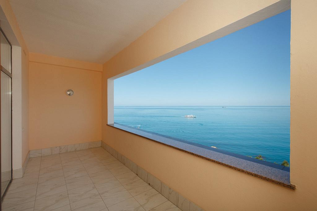 Апартаменты в Мирина на берегу моря
