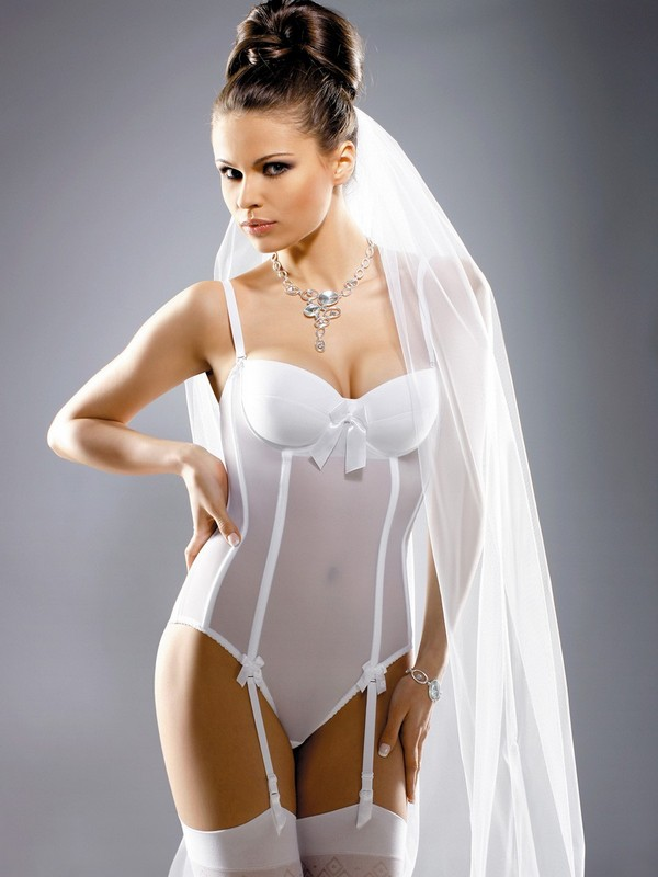 Эротическое нижнее белье для невест