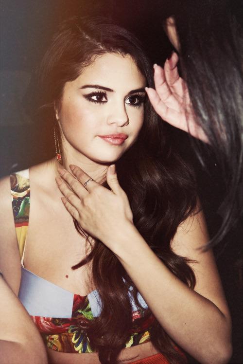 Selena gomez date photos