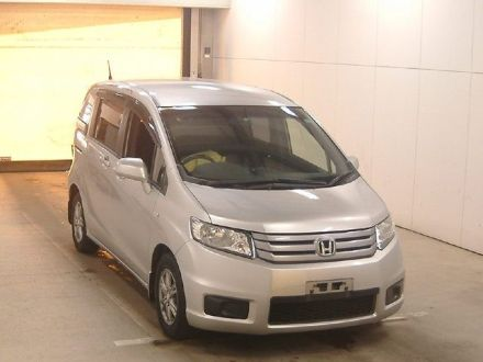 Продажа Honda Freed Spike 2014 во- qx9ru