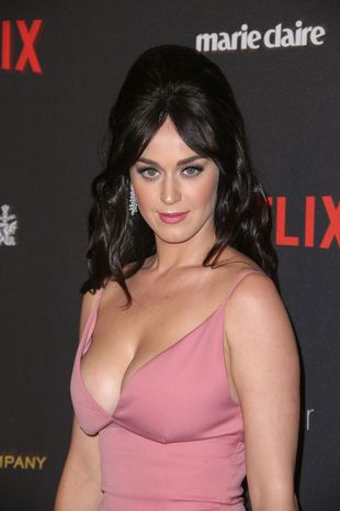 Katy perry date at golden globes