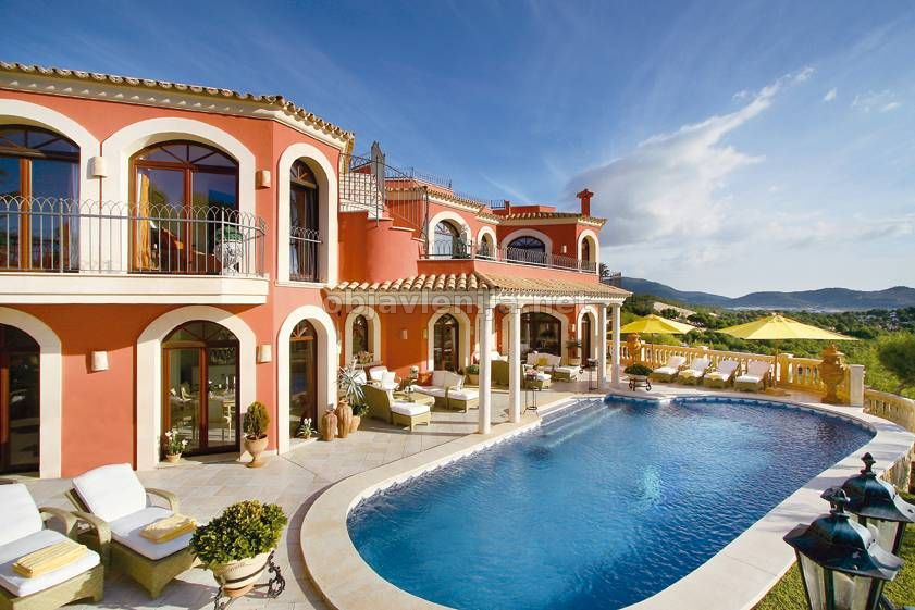 Недвижимость в испании и италии