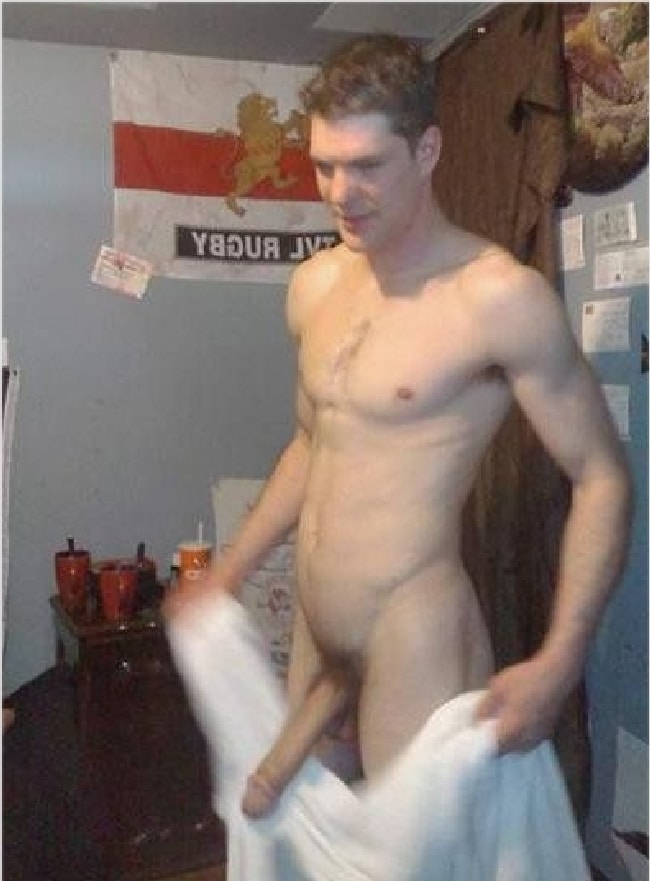 Men penis naked showing