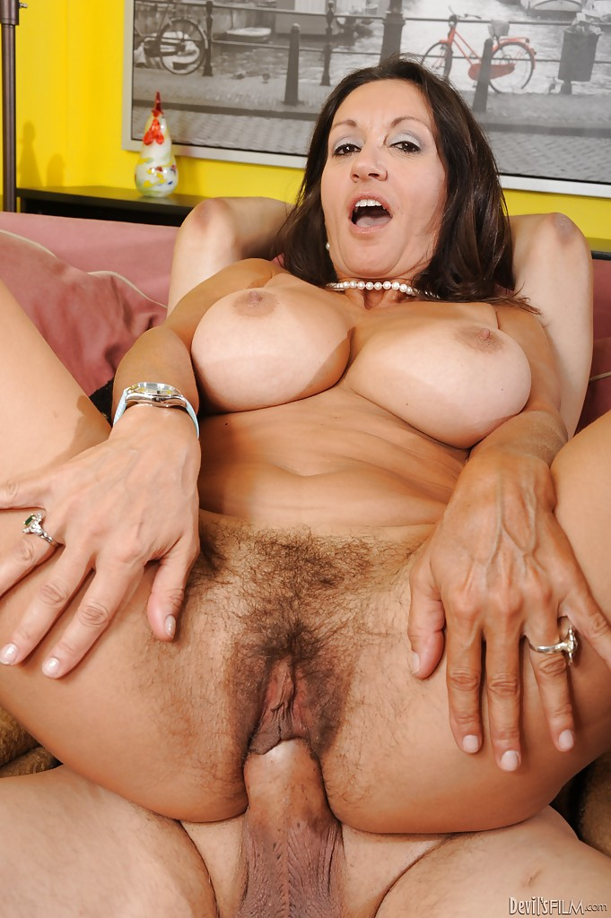 Mature shemale big cumming dicks
