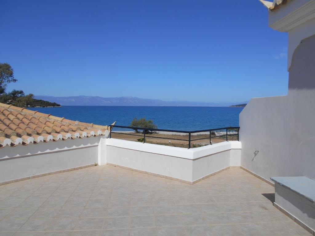 Дом в Хиос на берегу моря недорого