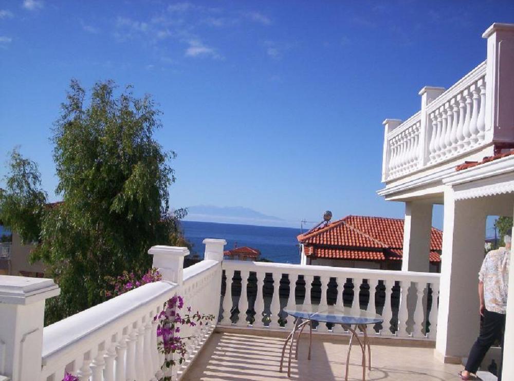 Мини отель в остров Потидея