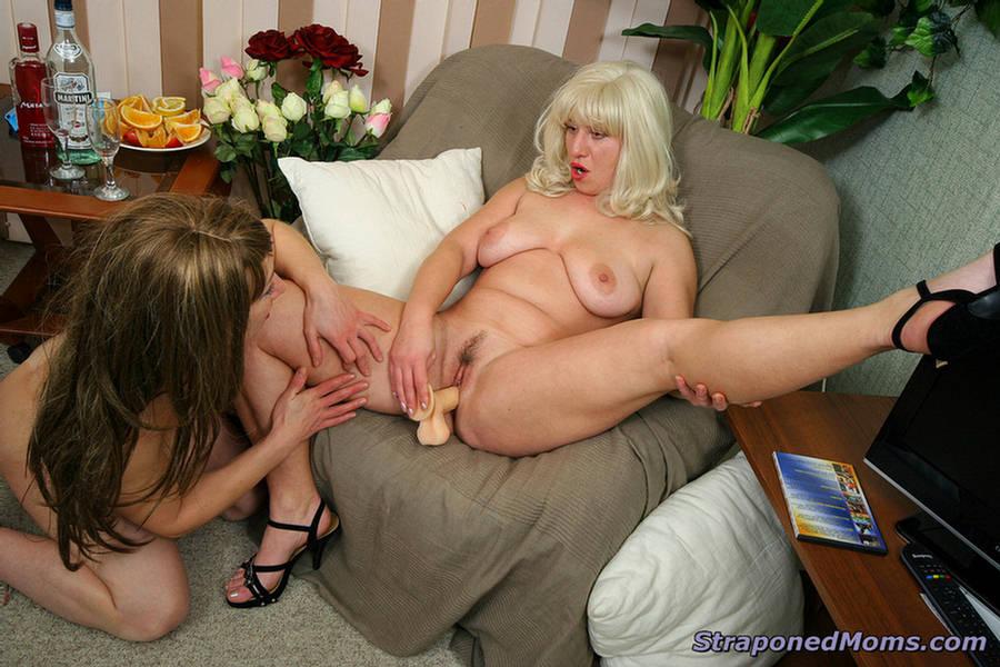 Sexy euro blonde babe