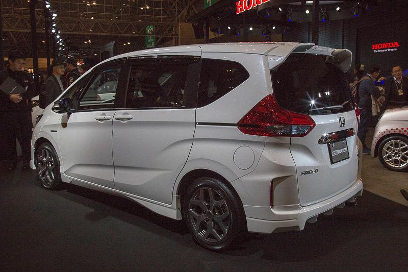 �利輕休旅,Honda Freed Spike日本上市開賣 - U