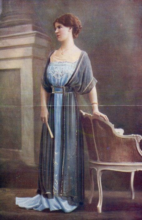 белый вязаный свитер с горлом женский