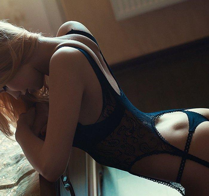 Эротические фотосессии молодых девушек в нижнем белье