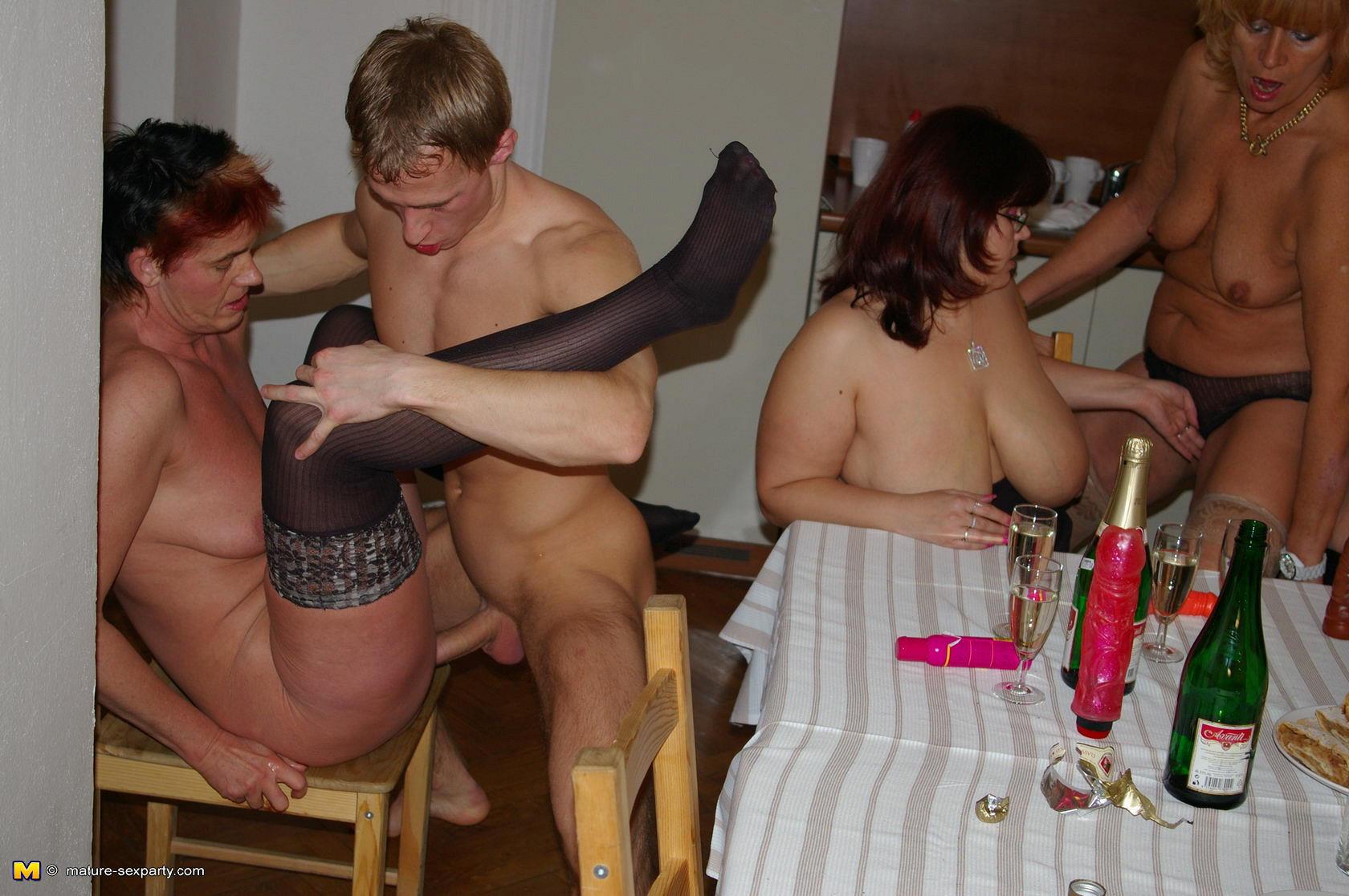 Порно подборки оргии фото 35-51