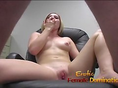 Hot blond pussy squirting