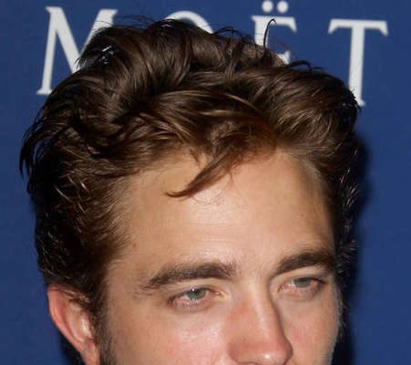 Who is robert pattinson dating now 2012