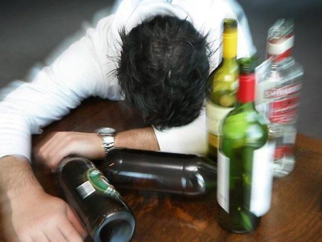 Кто и как лечил алкоголизм