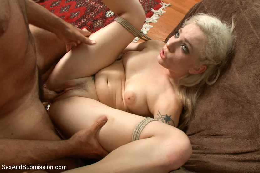 Blond porn in pantyhose