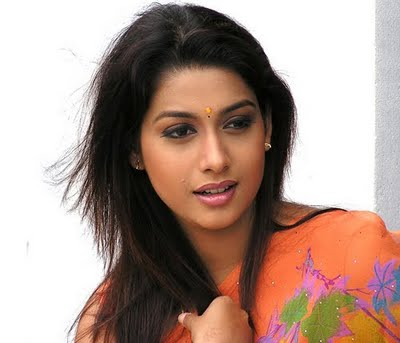Shruthi (Kannada Actress) - Filmibeat Photos