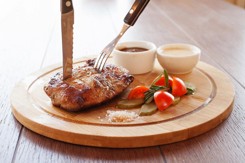 Ресторан Дюшес - фотография 2 - Стейк из телятины