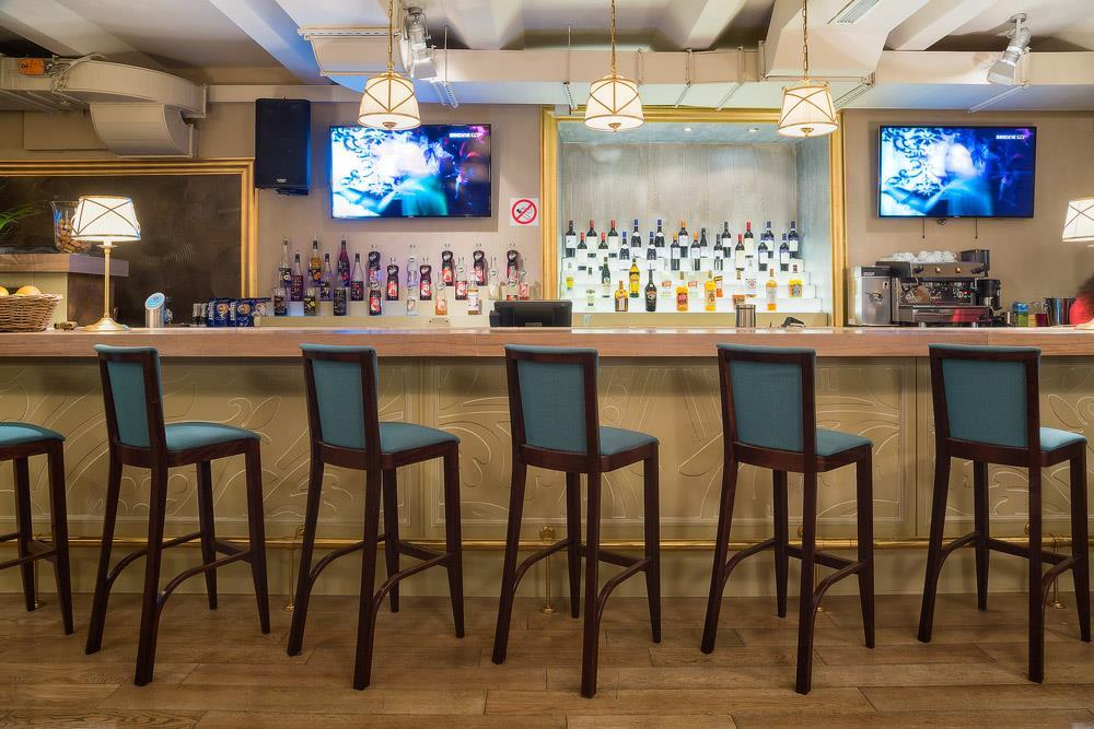 Ресторан Маджесто - фотография 8 - Бар в основном зале