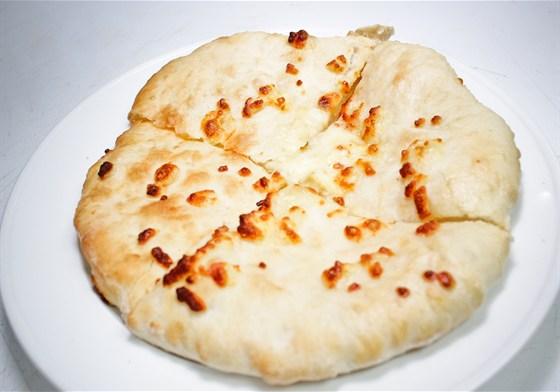 Ресторан Хинкали & Хачапури - фотография 4 - Хачапури мегрельские