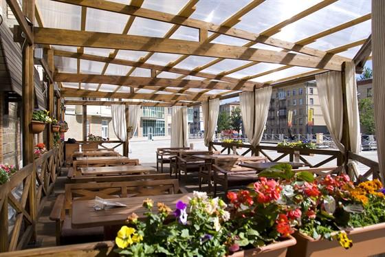 Ресторан Breughel - фотография 1 - Летняя терасса