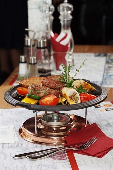 """Ресторан Керосинка - фотография 10 - Фирменное блюдо """"Керосинка"""" мясная"""""""
