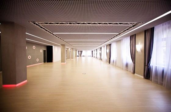 Ресторан Восемь колонн - фотография 2 - 2 этаж, большой зал