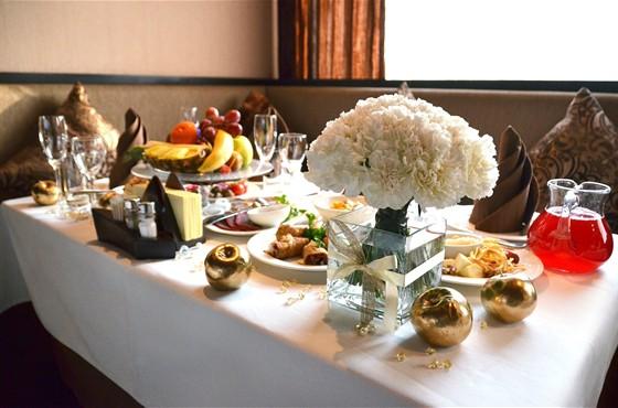 Ресторан Навои - фотография 10 - Банкетный стол