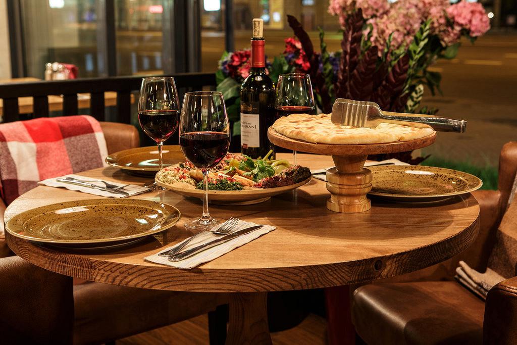 Ресторан Батони - фотография 10