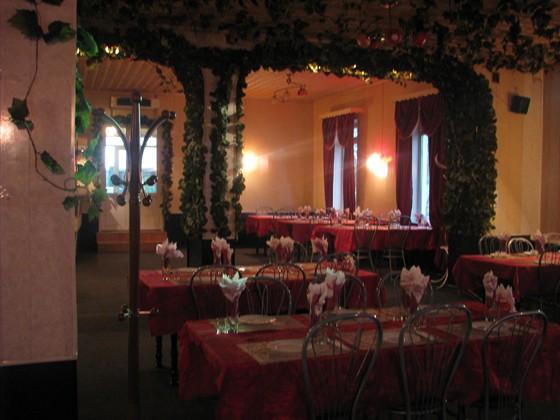 Ресторан Лагуна - фотография 2 - зал на сто человек