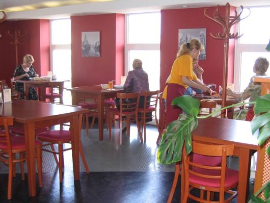 Ресторан Пицца Базилик - фотография 4 - По-домашнему уютно