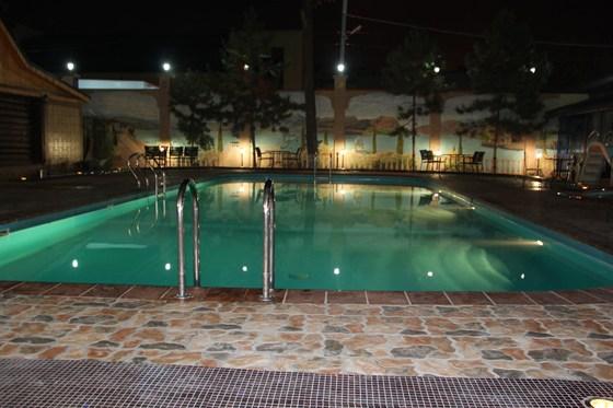 Ресторан Bellagio - фотография 8 - Столики у бассейна