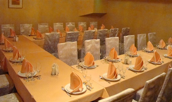 Ресторан Золотое время - фотография 4 - Банкетный зал Гламур
