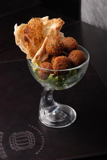 Ресторан Дубинин - фотография 16 - Фалафель