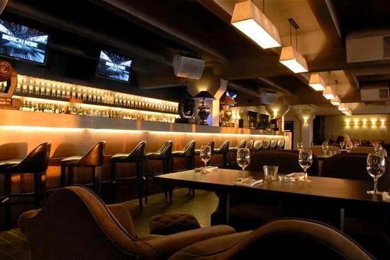 Ресторан Royal Bar - фотография 7 - Основной зал