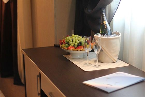 Ресторан Глиссада - фотография 9 - Доставка заказа в номер отеля
