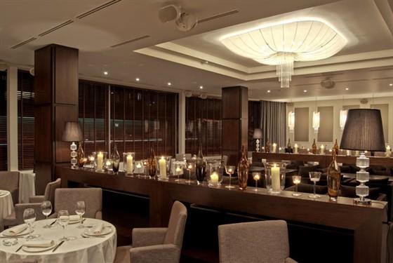 Ресторан Andiamo - фотография 23 - Основной зал