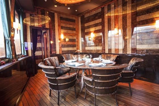 Ресторан Лодка - фотография 2 - Малый VIP зал с караоке