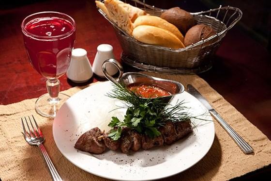 Ресторан Антисоветская - фотография 4 - Шашлык из говядины