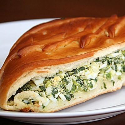 Ресторан Пироговая Рогова - фотография 4 - Пирог с зеленым луком и яйцом