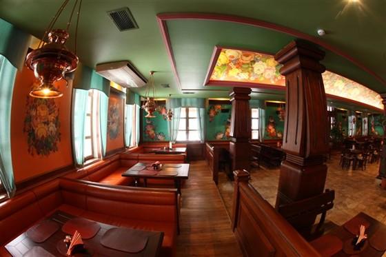 """Ресторан Красный кабачок - фотография 9 - """"Красный кабачок"""". Первый этаж."""