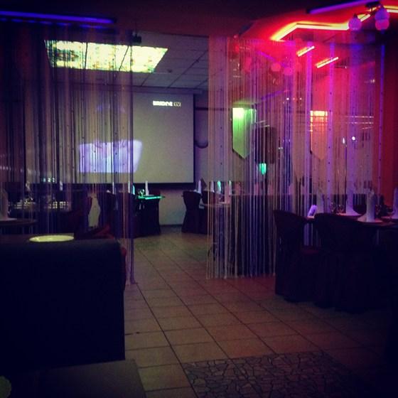 Ресторан 123 - фотография 10 - Зона просмотра матчей на огромном HD-экране