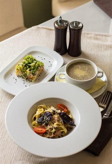 Ресторан Mon ami - фотография 8 - Бизнес-ланч
