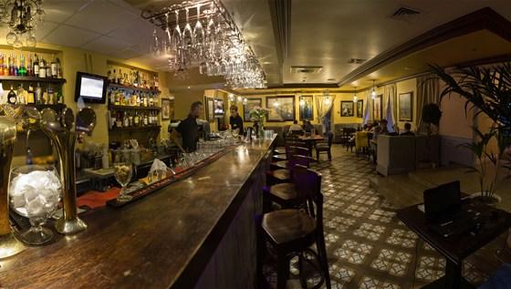 Ресторан Don Gusto - фотография 10 - Барная стойка