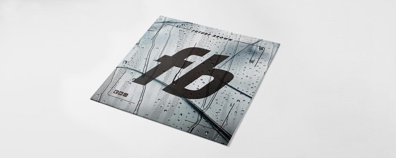 Логотип Furure Brown на обложке не зря напоминает о Facebook — это именно что пластинка о том, как музыка и танец объединяют людей