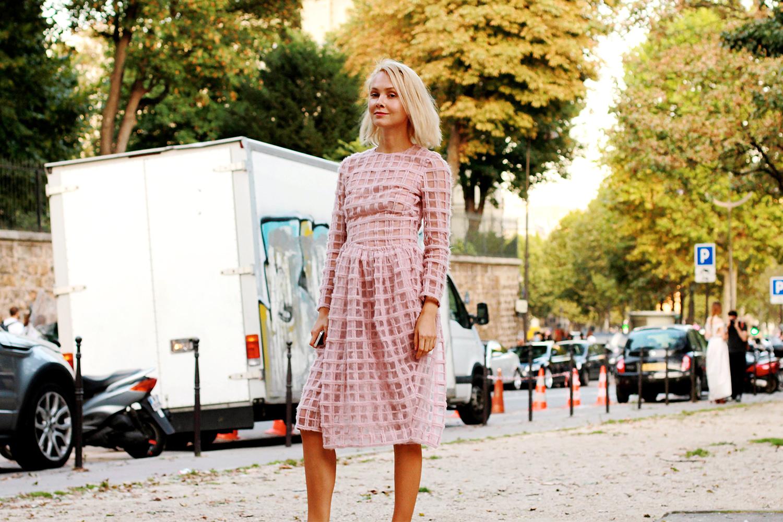 На Ольге: платье Simone Rocha