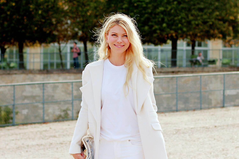 На Жанне: пальто и топ Ruban, аксессуары Chanel