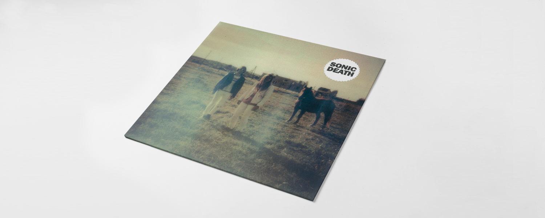 Отпечатанная в Германии пластинка считается неофициальным релизом на Record Store Day — для официального участия нужно обладать статусом мейджора; из-за этого маленькие лейблы начинают бойкотировать праздник